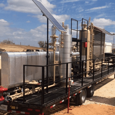 mobile unit for treating field gas for dual-fuel and e-fleets